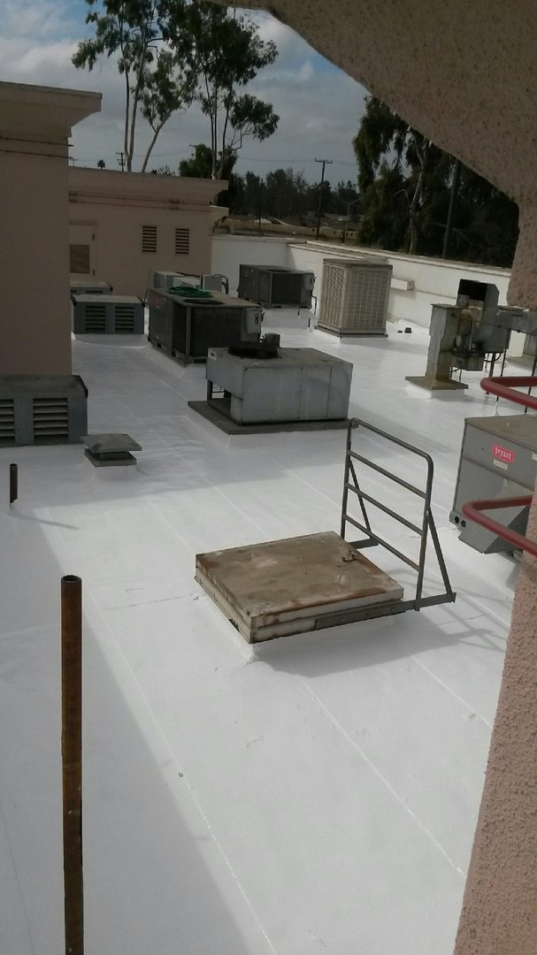 In_N_Out_roof_coating_4